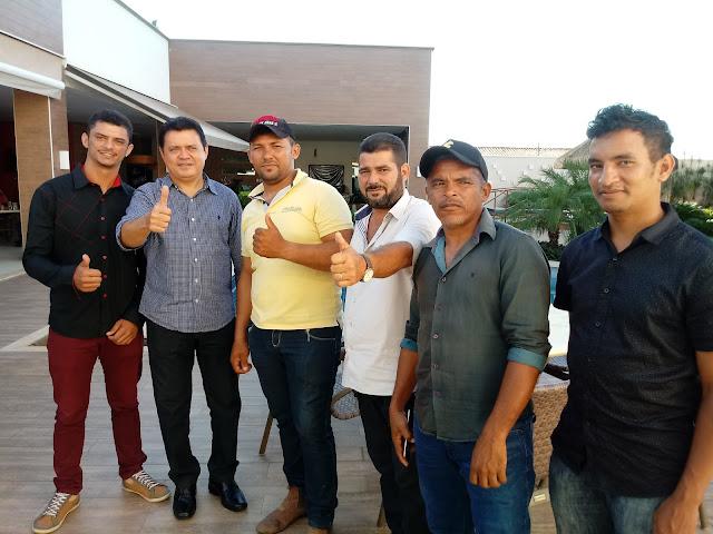 Deputado Rigo Teles almoça com amigos de São Raimundo e Esperante Nópolis.