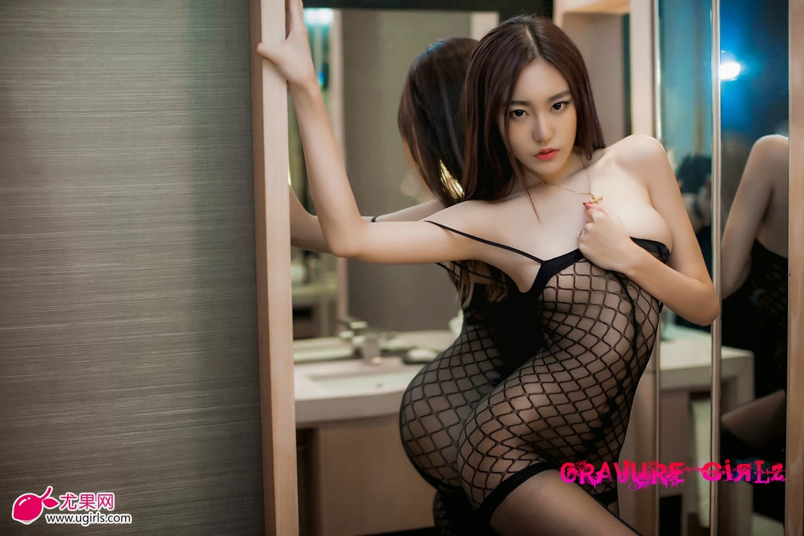 Chi Wan Guo Busty Chinese Girl Leaked Restroom Undressing