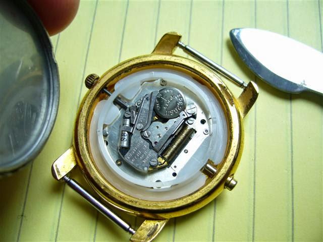 guide pour changer une pile de montre blog atlantime notices et guides horlogers gratuits. Black Bedroom Furniture Sets. Home Design Ideas