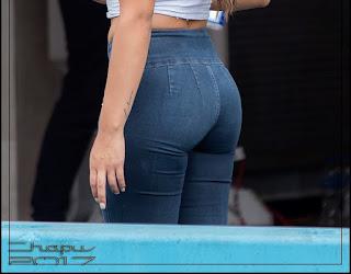 chicas nalgonas jeans ajustados