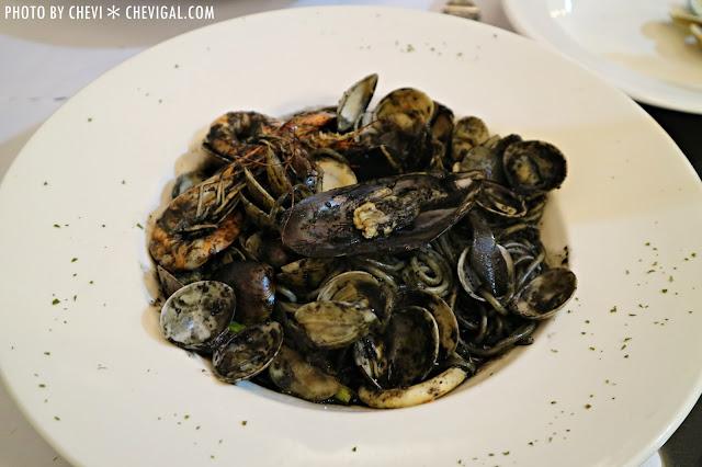 IMG 1428 - 台中西屯│懷特.朵兒義式料理*蒜香口味唇齒留香。蛤蠣都要快滿出盤子啦