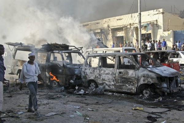 Al menos 215 muertos deja el peor atentado en la historia de Somalia y el mundo calla, sin hacer difusión.