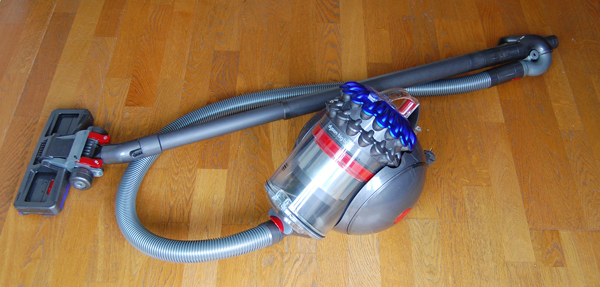 test et avis de l 39 aspirateur dyson big ball. Black Bedroom Furniture Sets. Home Design Ideas