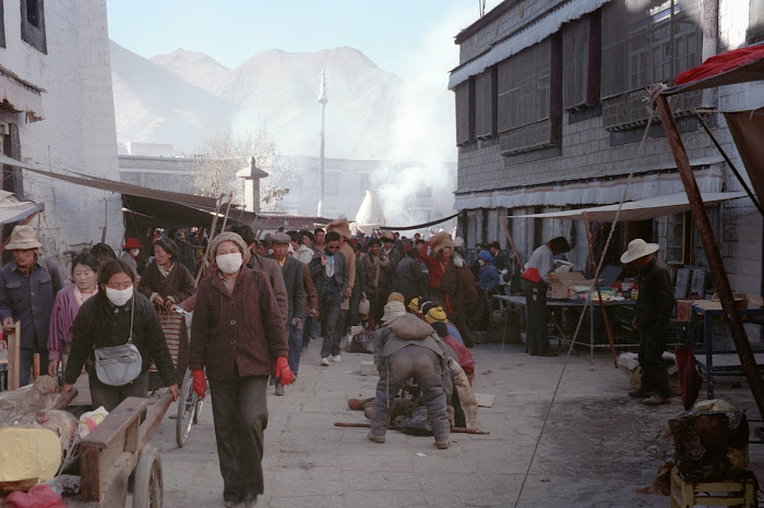 Tibet, Lhassa, Barkhor, © L. Gigout, 1990