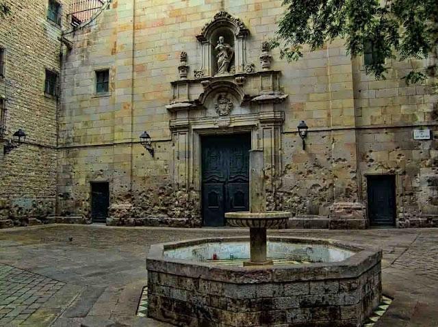 Plaça de Sant Felip Neri em Barcelona
