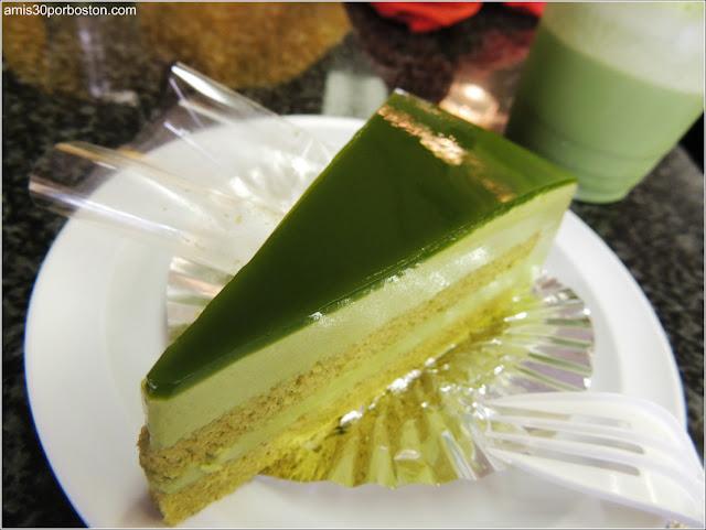 Japonaise Green Tea Cake en Japonaise Bakery, Brookline
