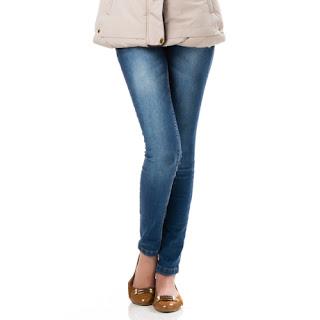 calça jeans feminina reta