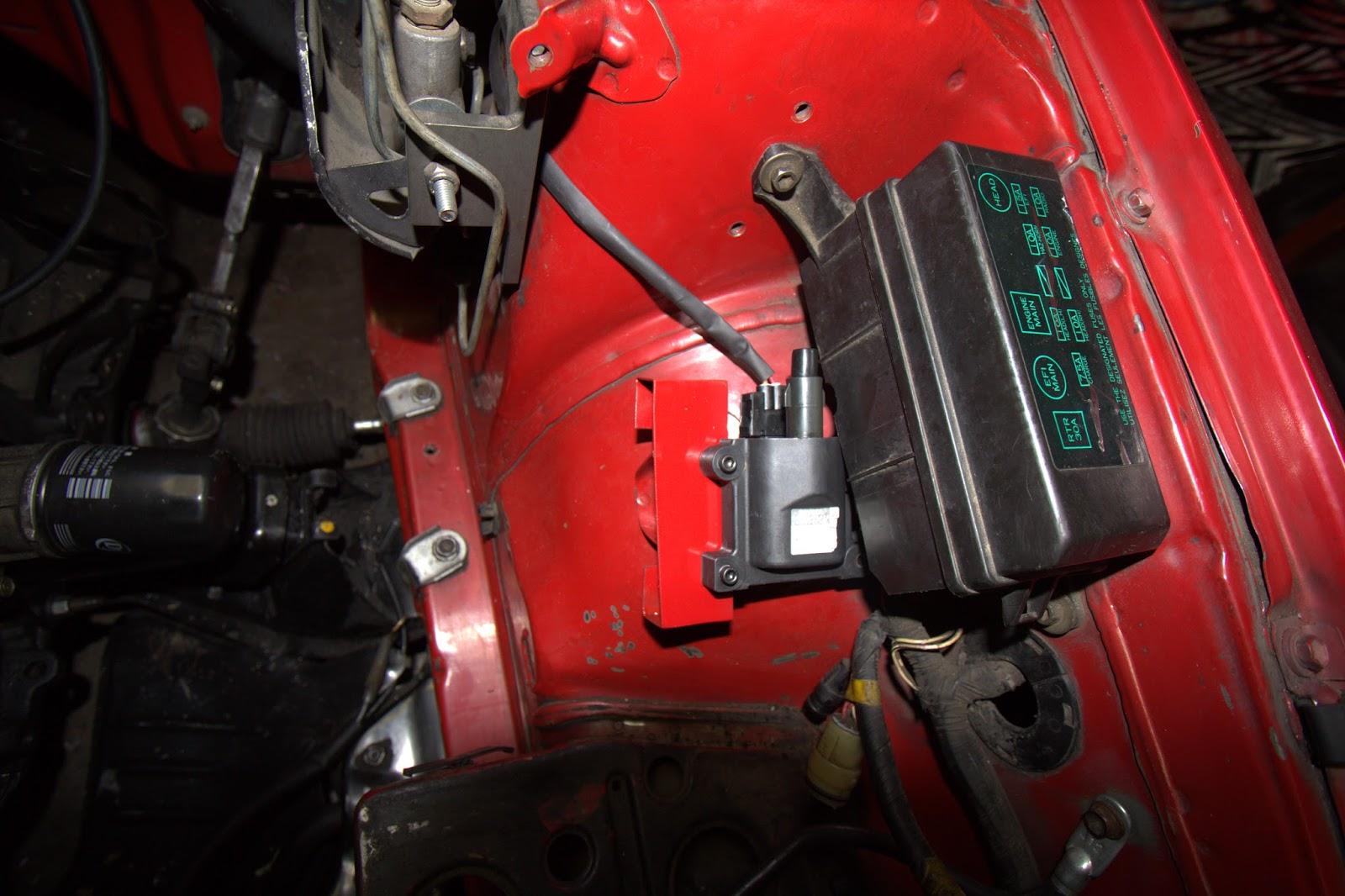 1999 Toyota Corolla Fuse Box On 2009 Tacoma Engine Fuse Box Diagram