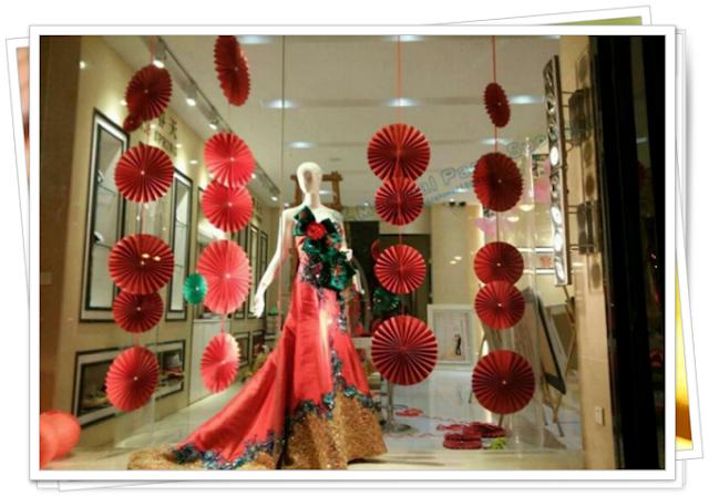 Ide Dekorasi Minimalis Modern Toko / Stand Mall Dengan Paper Fan