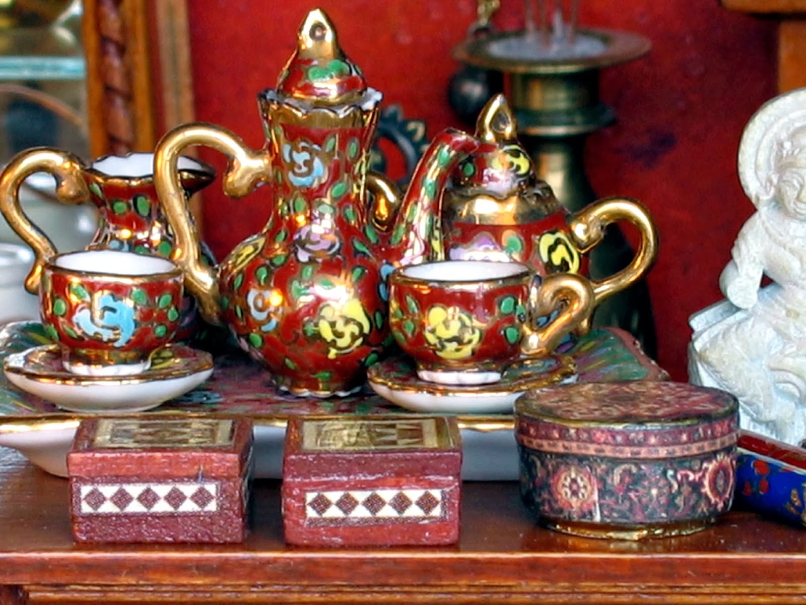 dollhouse tea set