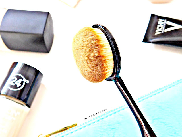 Small Oval Makeup Brush