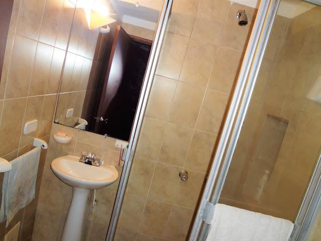 コロンビアのアパートのバスルーム