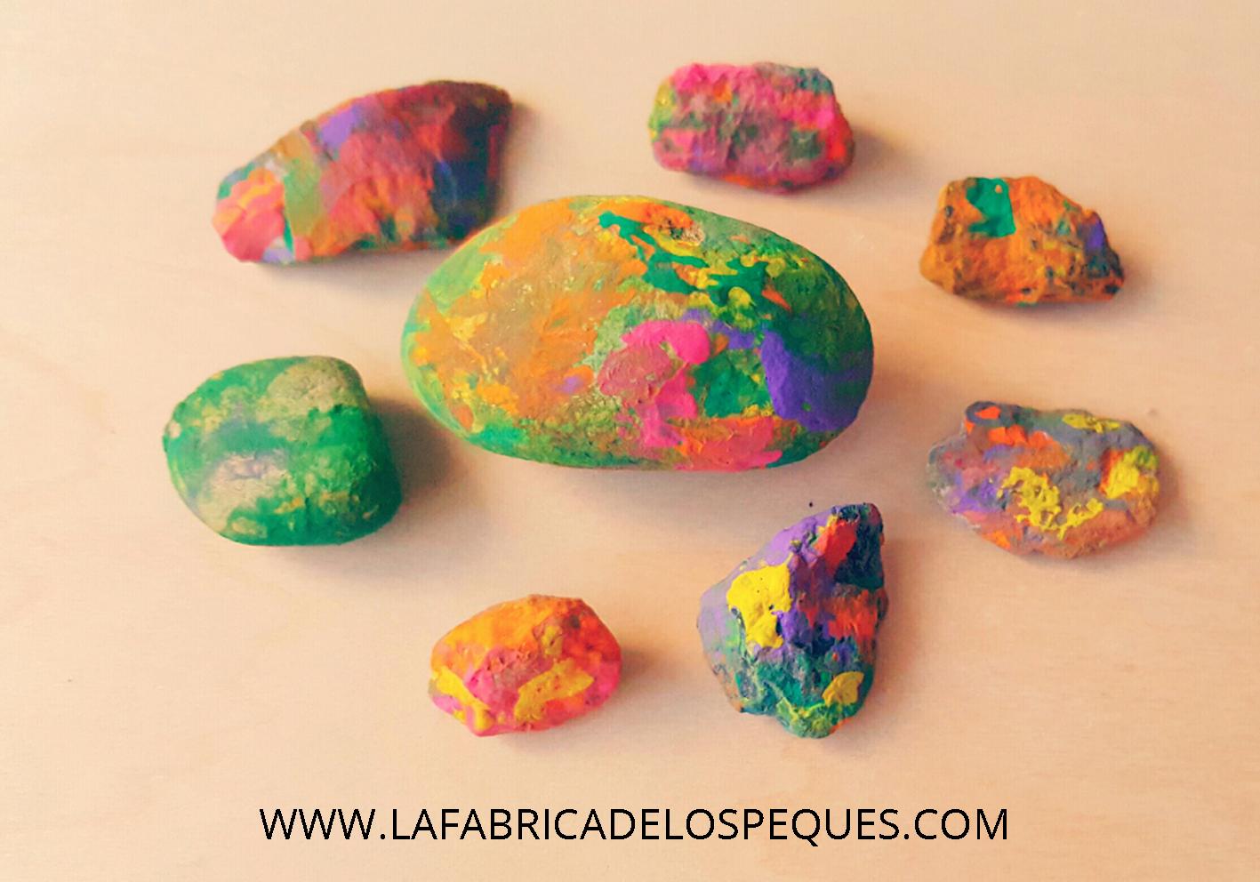 Piedras pintadas a mano la f brica de los peques for Pintura para pintar piedras