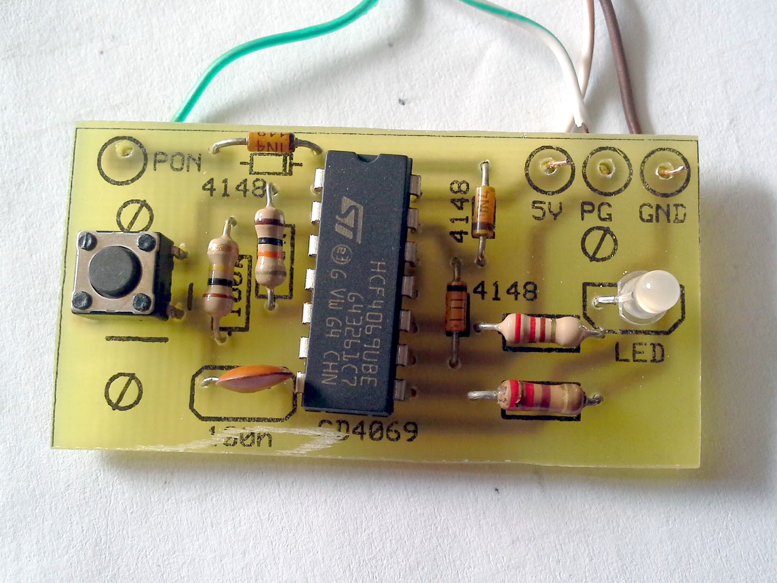Computer Psu Start Circuit With Bicolor Led One Transistor Tachometer The Infrared Very