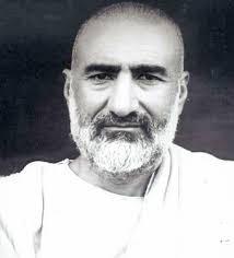 """The Frontier Gandhi: Khan Abdul Ghaffar Khan  life history -(6 ఫిబ్రవరి, 1890-1988, జనవరి 20 ) -ఖాన్ అబ్దుల్ గఫార్ ఖాన్ -బాద్షా ఖాన్ గా,సరిహద్దు గాంధీ గా పేరు..గాంధేయవాది. భారతరత్న పురస్కారమును పొందిన తొలి భారతేతరుడు. """"ఎర్రచొక్కాల ఉద్యమం"""" ప్రారంభించిన ప్రముఖుడు...బ్రిటీష్ ఇండియాలో, అటూ పాకిస్థాన్లో 27 ఏళ్లపాటు జైలు జీవితాన్ని అనుభవించి అఫ్గానిస్థాన్లోని కాబూల్ నగరానికి వెళ్లి ప్రవాస జీవితం . ..తెలుసుకుందాం"""