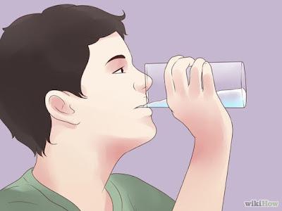 ลดอุณหภูมิร่างกายระหว่างวิ่งด้วยการดื่มน้ำ