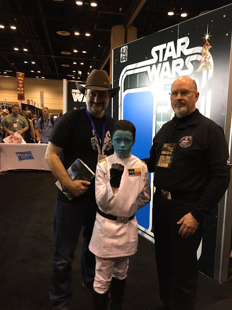thrawn cosplay by a child