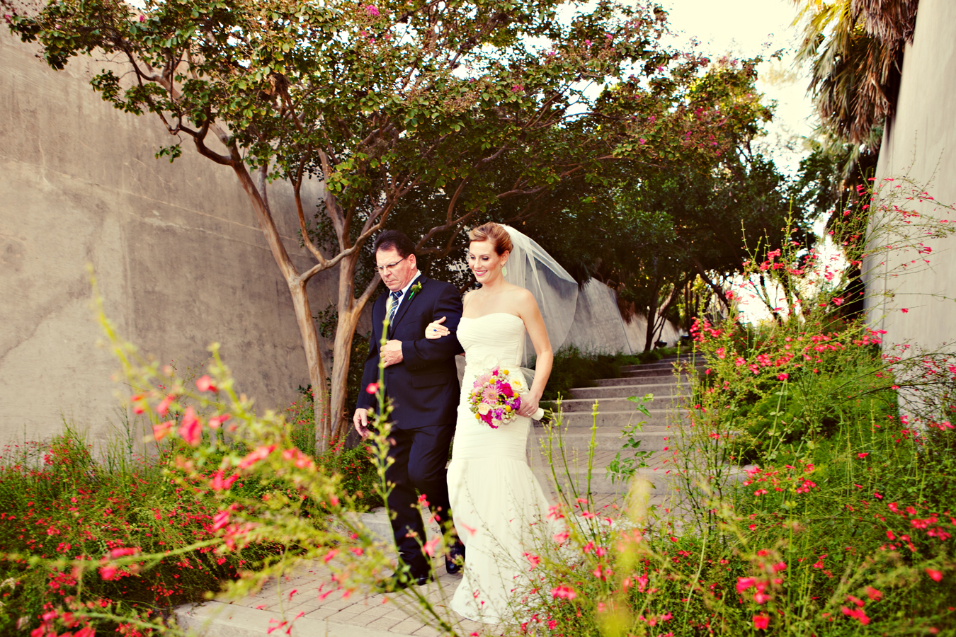 Lori nathan 39 s colorful floral san antonio botanical - San antonio botanical garden wedding ...