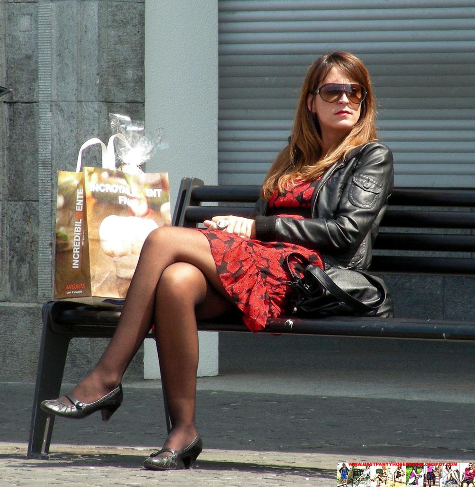 Flats miniskirt and sheer black pantyhose - 5 2