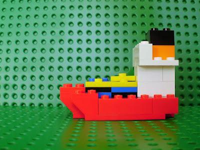 MOC LEGO Navio cargueiro com contentores