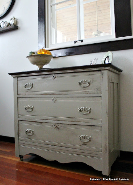farmhouse dresser, chest of drawers, paint makeover, fusion mineral paint, https://goo.gl/zxVDy0