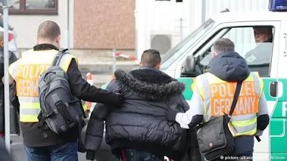 المانيا: السلطات الالمانيه ترحيل لاجئ سوري الى دمشق لاول مره والتفاصيل :