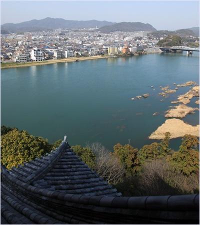 วิวจากชั้นบนปราสาทอินุยามะ (Inuyama Castle)