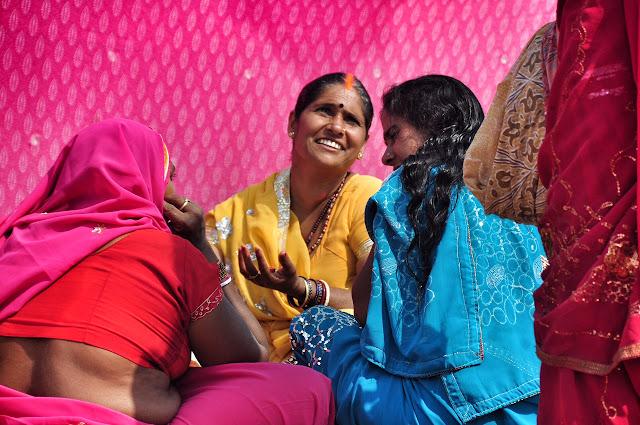 Kumbh mela 2013 ganga allahabad laughing women