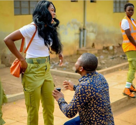 Photos Two Months After He Slid Into Her Dm Man Proposes To Corp