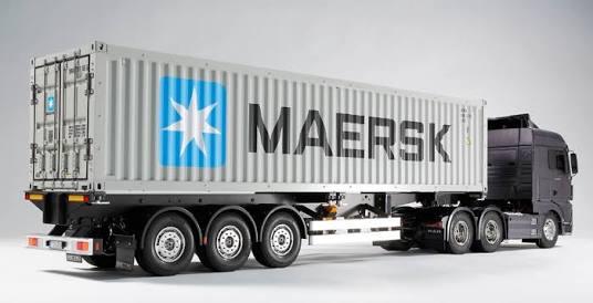 Mengapa Perusahaan Mengirim Barang Menggunakan Mobil Container