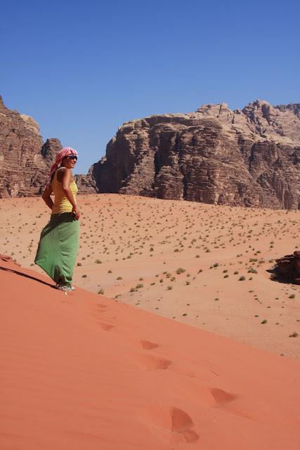 Visitar WADI RUM e conhecer os encantos do deserto jordano | Jordânia
