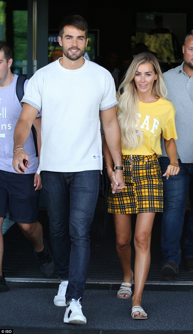 Love Island's Laura and 'cool Paul' leave London hotel holding hands