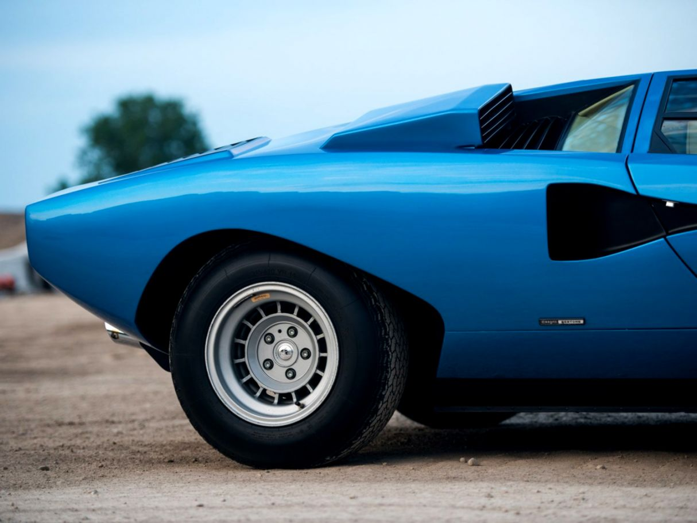 Lamborghini Countach Classic Car Photo Hd Wallpaper Mobile Wallpapers