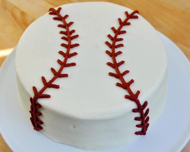 Beki Cook S Cake Blog Easy Baseball Cake