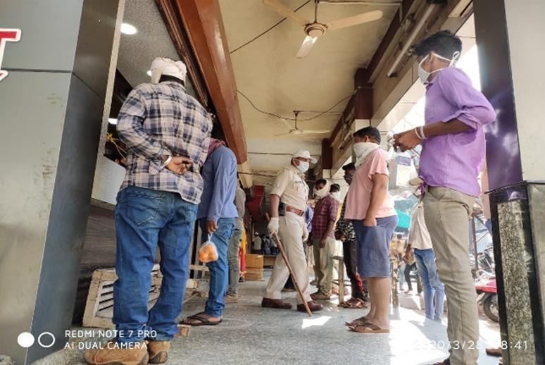 Jhabua News- आगामी ३ दिनों तक घरो से बाहर न निकले, जिला प्रशासन द्वारा की जा रही है बेहत कठोर कार्रवाई
