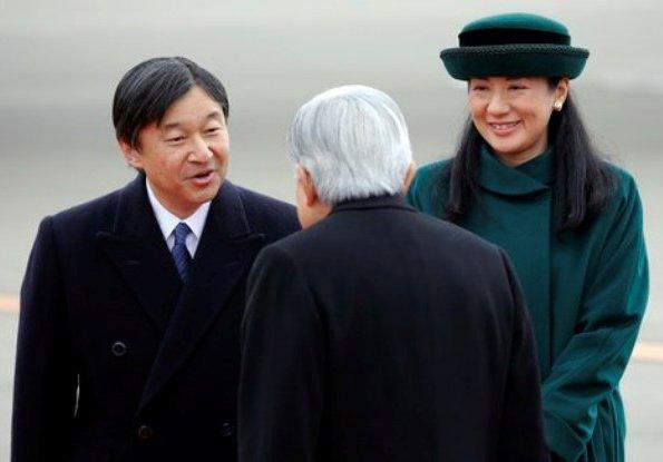 Emperor-Akihito-and-Empress-Michiko-5.jpg
