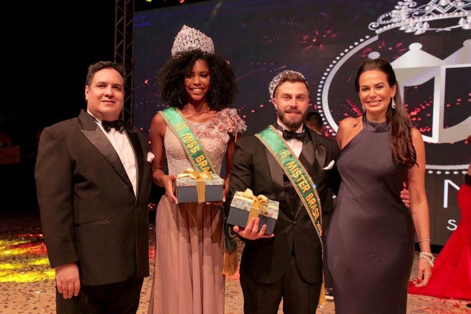 Márcio Michelasi, Adryelhe Peixoto, Gabriel Ximenez e Cozete Gomes. Foto: Rubens Apolinário