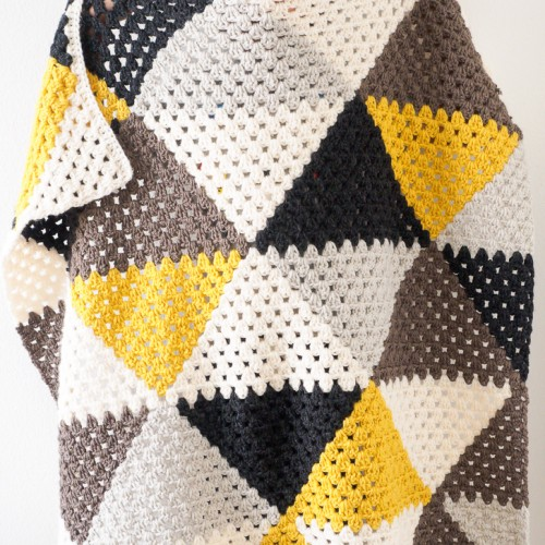Love Triangles Granny Stripe Baby Blanket - Free Pattern
