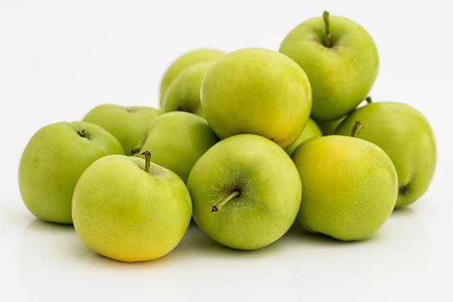 8 Manfaat Buah Apel, Mulai Cegah Kanker Hingga Mengobati Asma