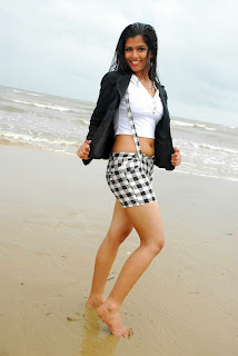 WWW..BLOGSPOT Actress Nakshatra Spicy Legs Show in Short Images Picture Stills Gallery 0001