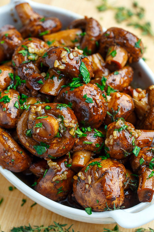 Roasted Mushrooms With Garlic, Thyme, And Balsamic Vinegar Recipe ...