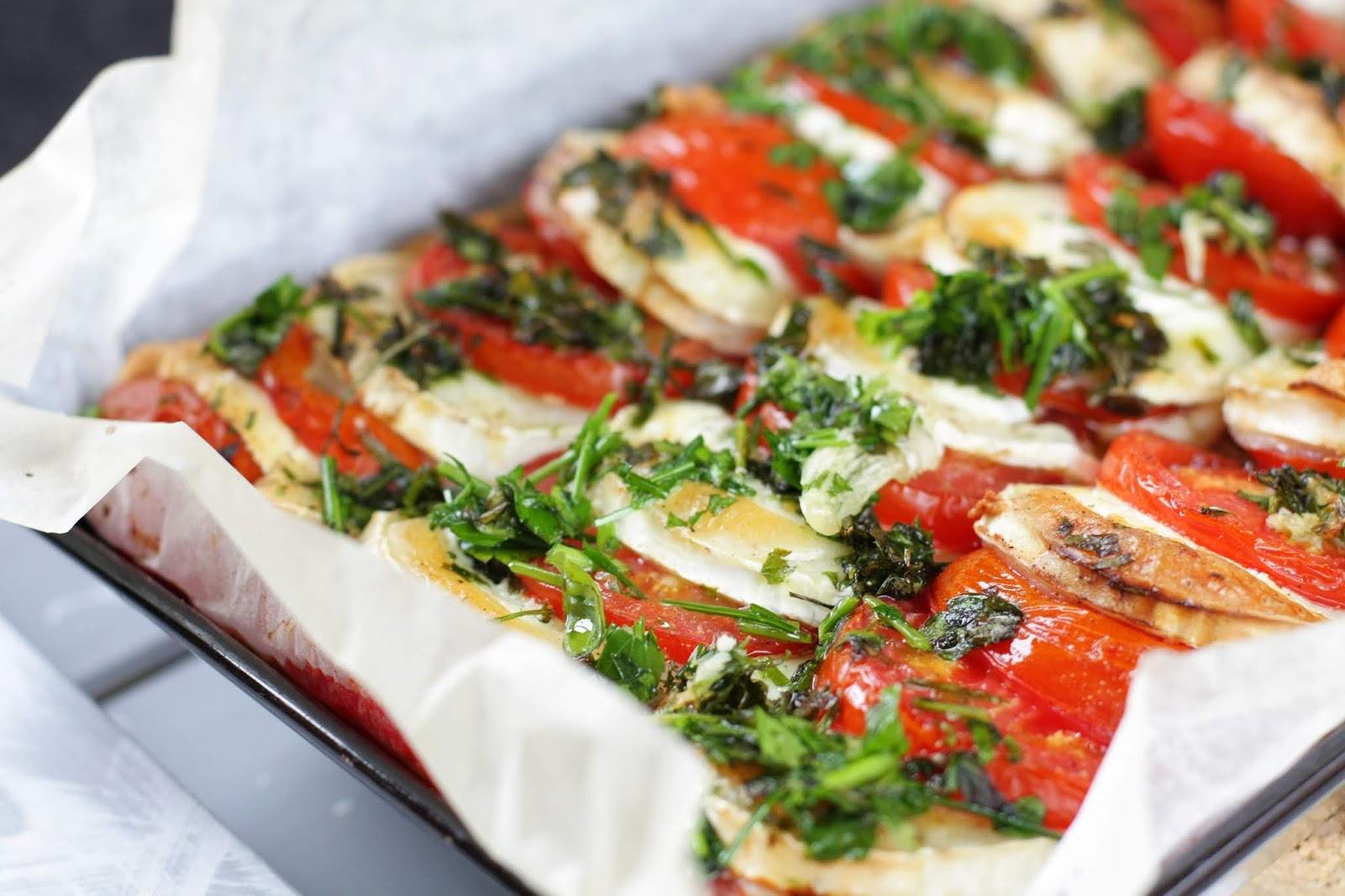 tomaatti-vuohenjuustopiirakka mallaspulla ruokablogi pipsa hurmerinta