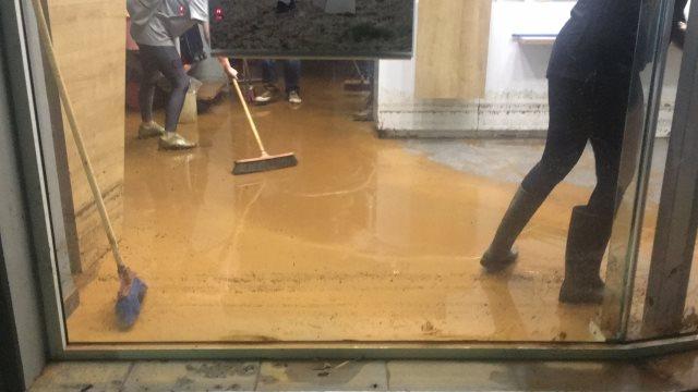 Δήμαρχος Μάνδρας: Φωνάζουμε από το Νοέμβριο για τα αντιπλημμυρικά αλλά δεν έχει γίνει κάτι