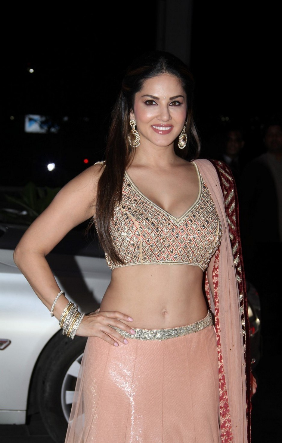 Sunny Leone Deep Navel Show Photos