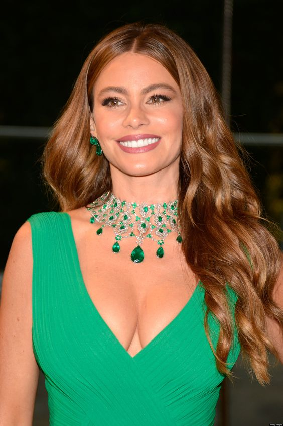 A beautiful emeralf necklace worn by actress Sofia Vergara