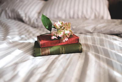 books bed