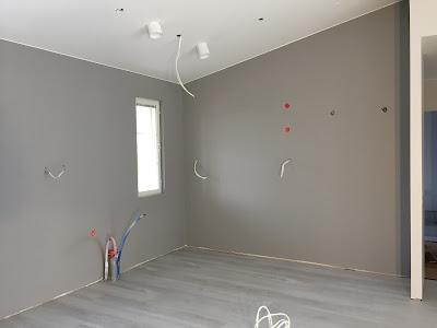 Teknos NCS S 3500-N, Teknos, NCS S 3500-N, Seinien maalaaminen, vino sisäkatto, rakennusblogi