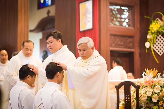Lễ truyền chức Phó tế và Linh mục tại Giáo phận Lạng Sơn Cao Bằng 27.12.2017 - Ảnh minh hoạ 171