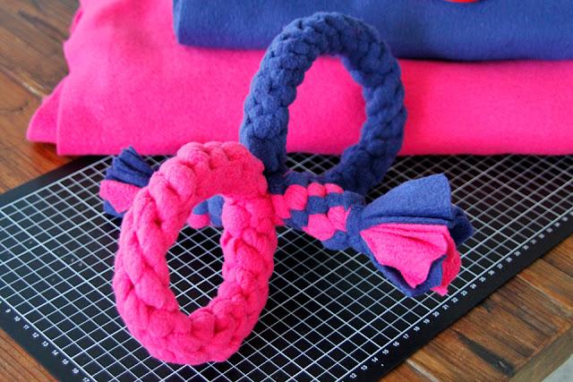 DIY double loop woven fleece dog tug toy