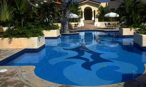 Fountain or swimming pool manufacturers equalizing while for Swimming pool manufacturers
